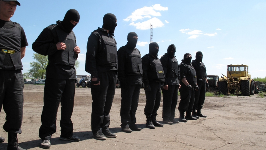 Members of a pro-Ukrainian militia in training.