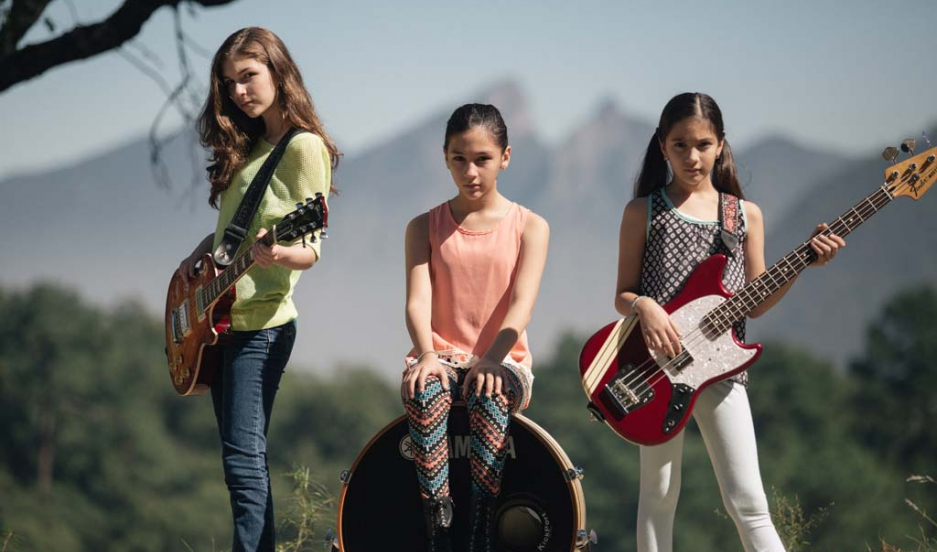 Three sisters form the band The Warning
