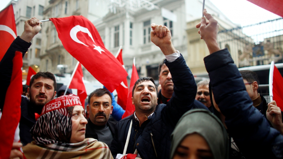 Turkey-Netherlands Diplomatic Spat Leads To Protests, Violence