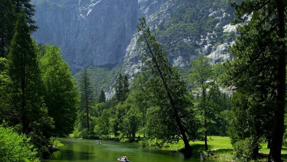 Hikers missing after falling into Yosemite waterfall