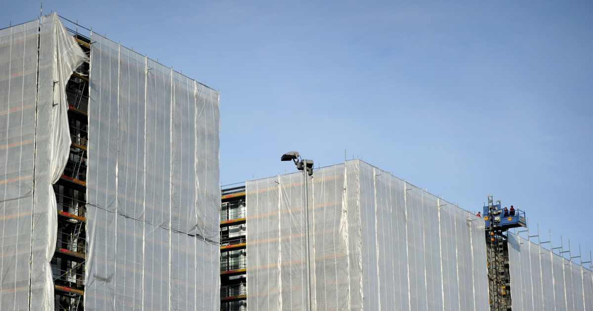 Workers and a video camera are seen on the construction site of the new headquaters of the German Federal Intelligence Service (BND) on November 15, 2010 in Berlin. The new headquarters, located in the city's heart, will cost approximately 1.5 billion euros and is expected to be completed by 2014. AFP PHOTO / JOHANNES EISELE (Photo credit should read JOHANNES EISELE/AFP/Getty Images)</p>