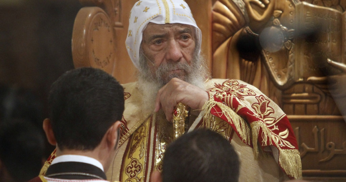 Pope Shenouda III, head of the Egyptian Coptic Orthodox Church, leads Christmas mass in Abassiya Cathedral in Cairo on Jan. 6, 2011.</p>