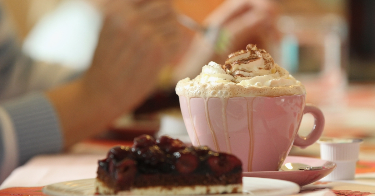 A new study has shown that hot chocolate tastes better when served in an orange or cream cup.</p>
