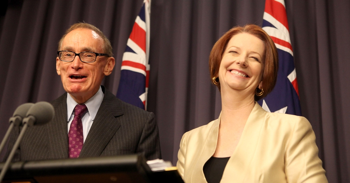 Australian Prime Minister Julia Gillard announces that Bob Carr (L) will replace Kevin Rudd as Australia's Minister for Foreign Affairs at Parliament House in Canberra on March 2, 2012.</p>