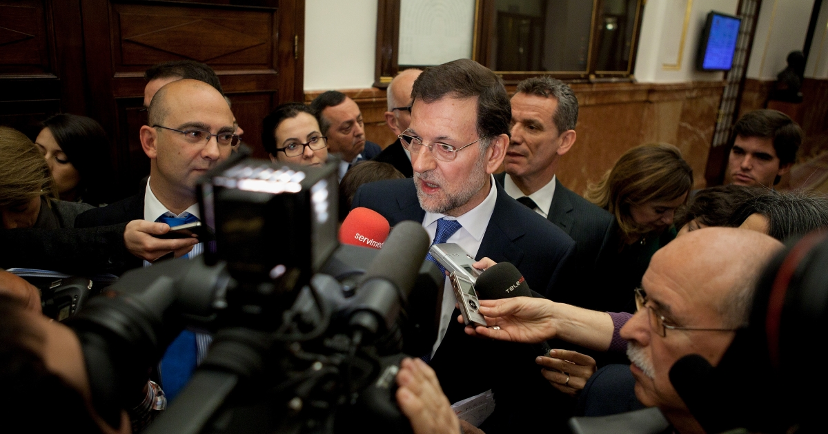 Spanish Prime Minister Mariano Rajoy speaks to press after a control session at Madrid's Parliament on April 11, 2012 in Madrid, Spain. Spain appears to be going into a deeper recession, despite the severe austerity measures the Spanish Government is making to avoid bailout.</p>