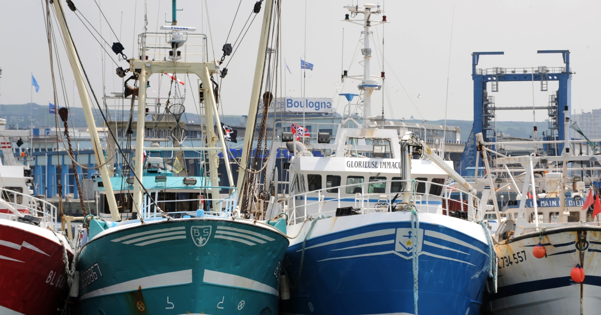 French fishing boats berthed at the port of Boulogne-sur-mer, northern France, on May 21, 2008.</p>