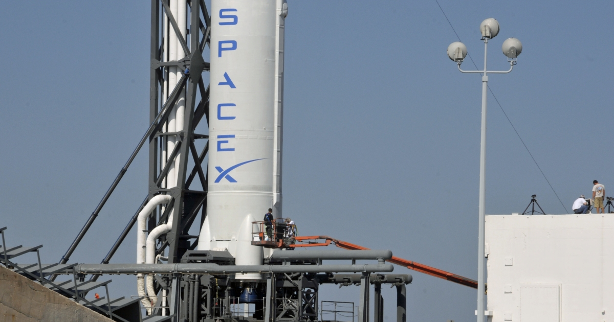SpaceX's Falcon 9 spacecraft, with the Dragon reusable capsule, sits on the launch pad on May 18, 2012 in Cape Canaveral, Florida.</p>