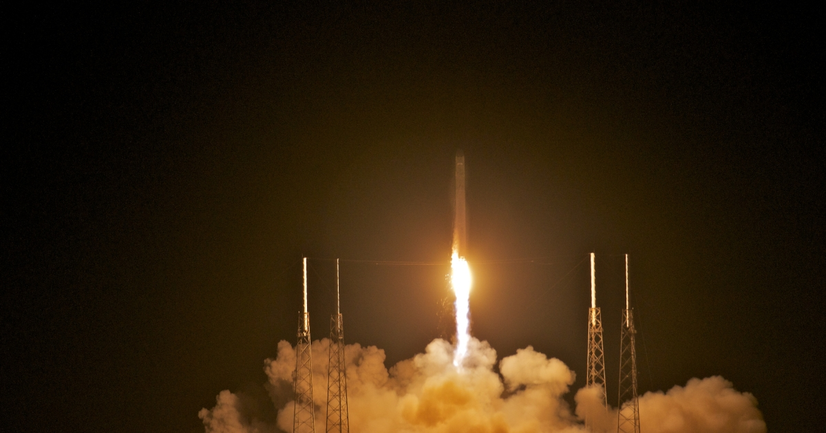 SpaceX's Dragon spacecraft atop rocket Falcon 9 lifts off from Pad 40 of the Cape Canaveral Air Force Station in Titusville, Florida.</p>