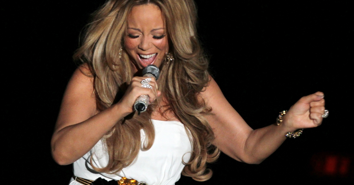 Mariah Carey is reportedly in serious talks to join the American Idol judging panel.</p>