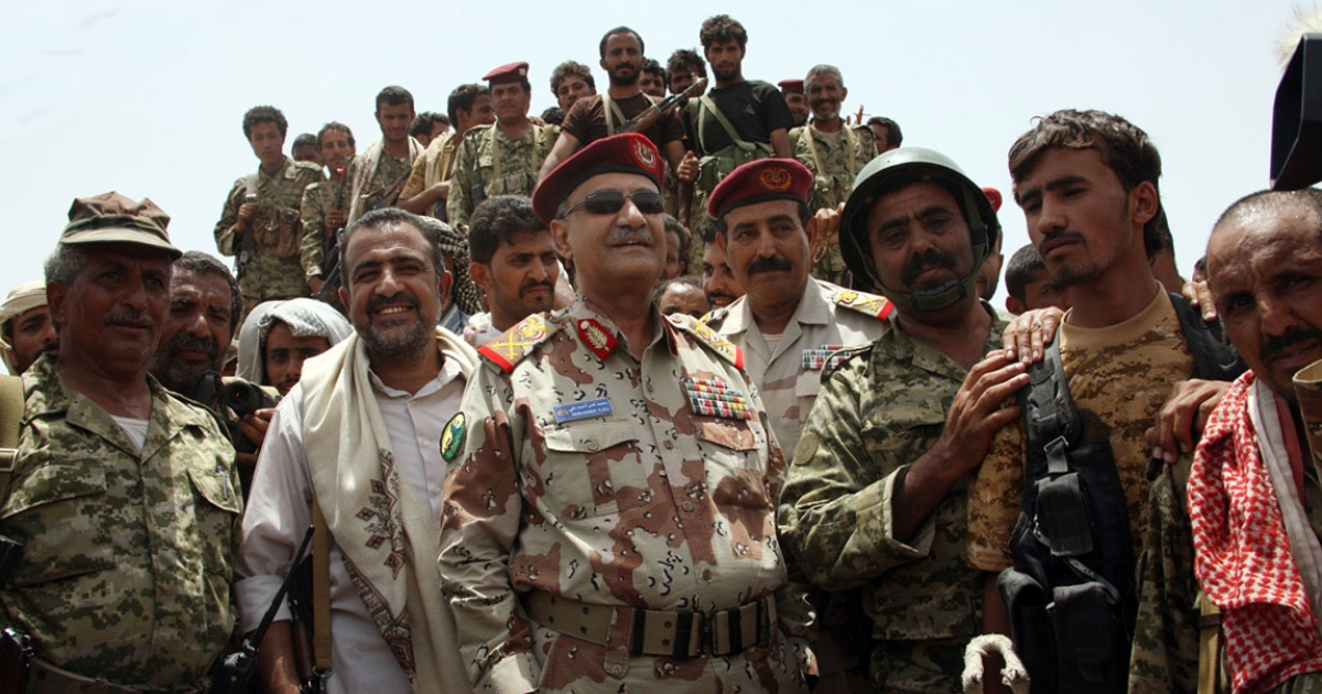 Yemeni Defence Minister General Mohammed Nasser Ahmed (C), who escaped an assassination attempt claimed by the Yemen-based Al Qaeda in the Arabian Peninsula, oversees a military operation against in the southern Abyan province, on June 10, 2012.</p>