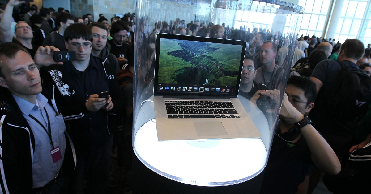 Apple Macbook Pro with Retina display gets glowing reviews for picture quality.</p>