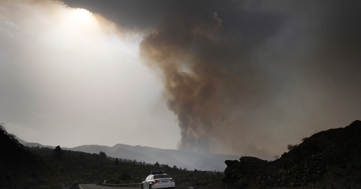 Researchers say that they have discovered the triggering mechanism behind major volcanic explosions.</p>