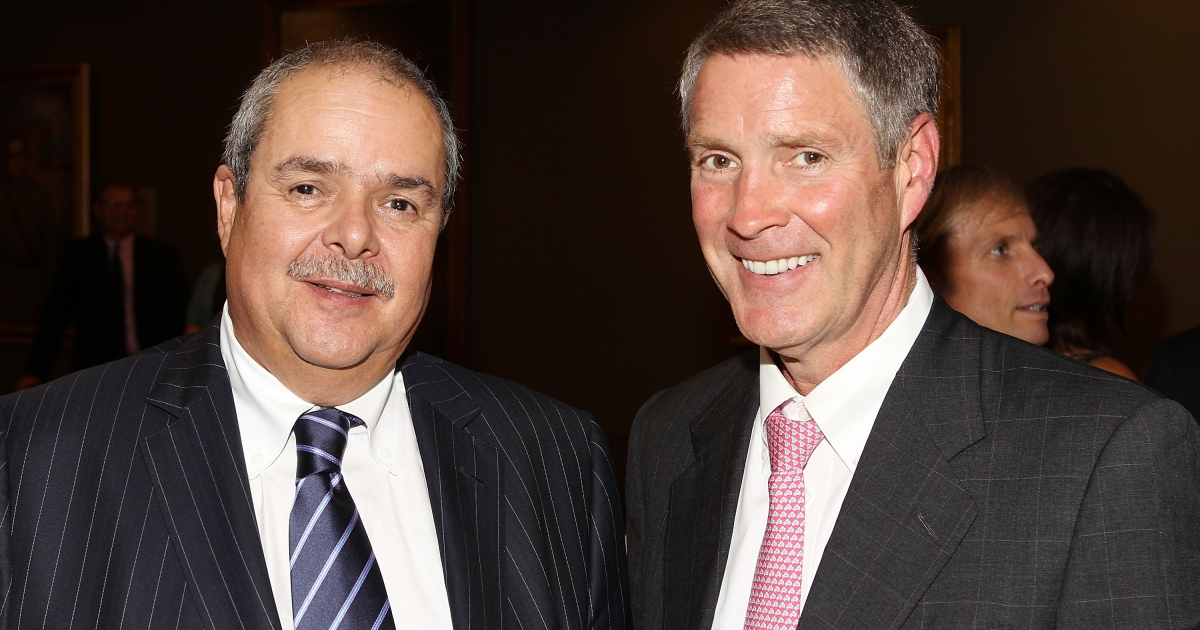 Gabriel Jaramillo (L), general manager of Global Fund, and Senator Bill Frist, M.D., founder of Help Through Healing Hands, pose for a photo on July 23, 2012 in Washington, DC.</p>