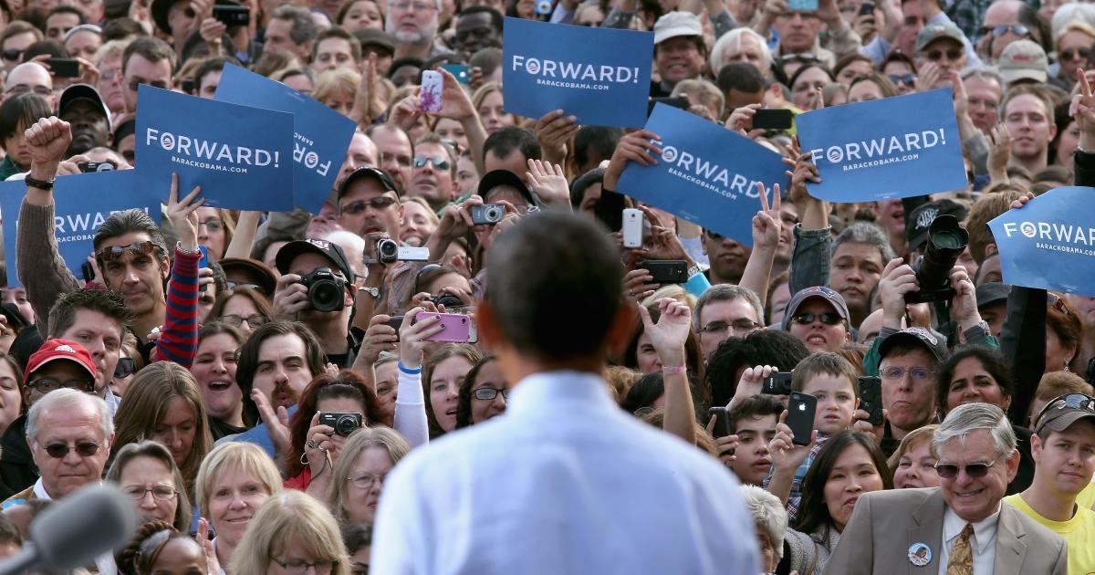 Obama shows off his new campaign slogan in Nashua, New Hampshire.</p>