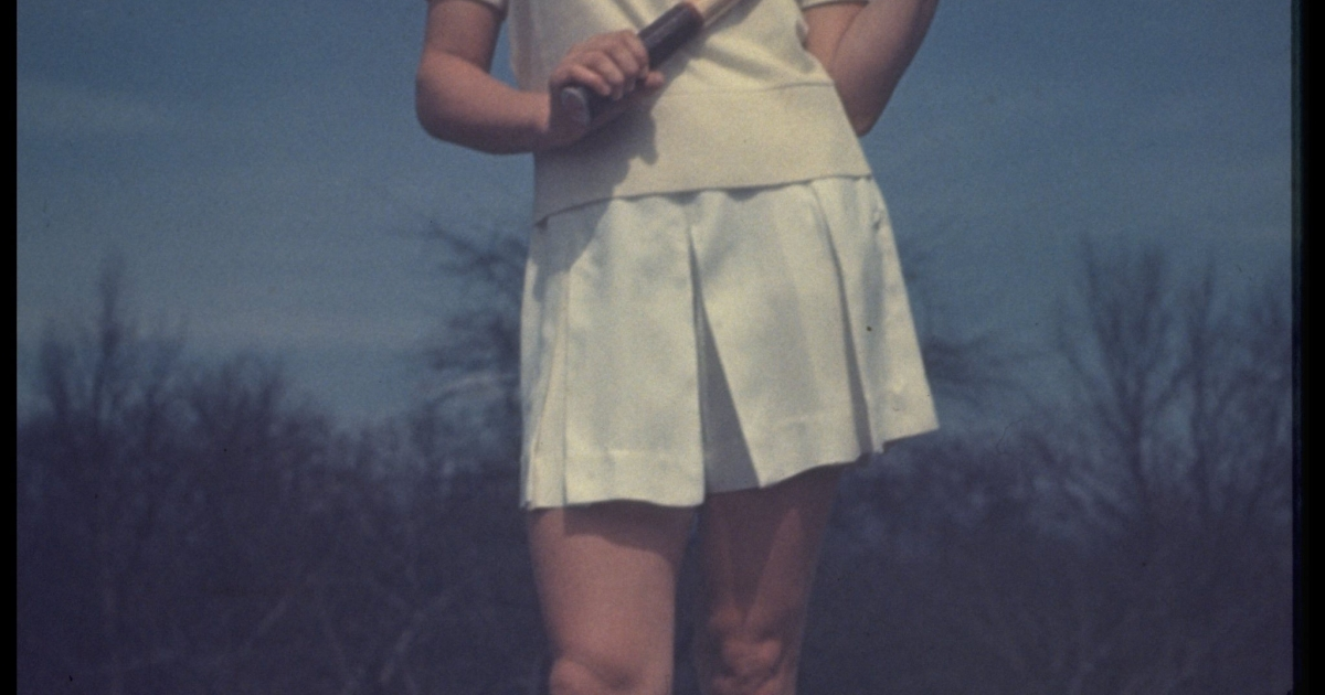 A photo taken in 1950 shows 'Gorgeous' Gussy Moran Posing in her tennis outfit.</p>