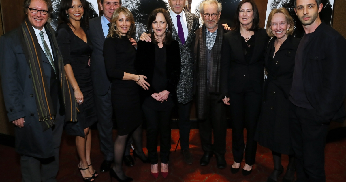 Actors James Spader, Gloria Reuben, Tommy Lee Jones, DreamWorks Co-Chairman/CEO Stacey Snider, actors Sally Field, Daniel Day-Lewis, director Steven Spielberg, producer Kathleen Kennedy, historian Doris Kearns Goodwin and actor Jeremy Strong attend the special screening of Steven Spielberg's 'Lincoln' at the Ziegfeld Theatre on November 14, 2012 in New York City.</p>