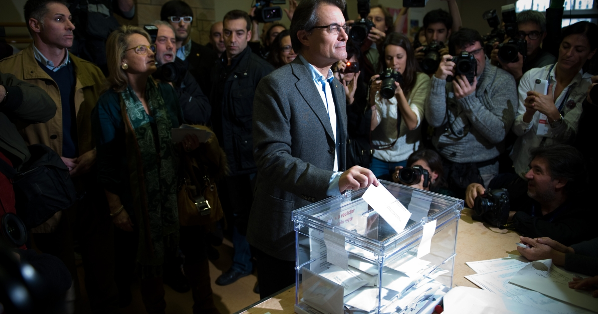 President of Catalonia and of the Pro-Independent Catalan Convergence and Unity party (CIU) Artur Mas, casts his ballot for regional elections held in the region.</p>