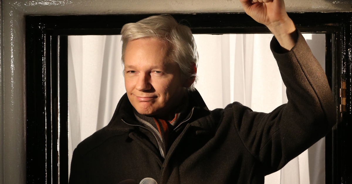 Wikileaks founder Julian Assange speaks from the Ecuadorian Embassy on December 20, 2012 in London, England.</p>