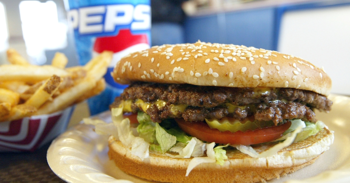 A group of Canadian doctors is hoping to implement warning labels on junk food.</p>