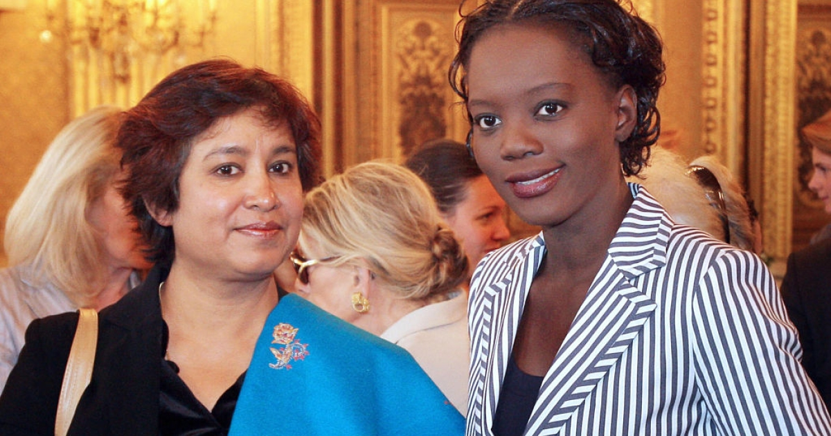 Exiled Bangladeshi writer Taslima Nasreen (L) poses with French Human Rights minister Rama Yade, after she received the Simone de Beauvoir prize for women's freedom, on May 21, 2008 in Paris. Nasreen said on May 19, 2008, that she plans to return to her adoptive home India by August, just months after she was hounded out of the country by Islamic radical death threats.</p>