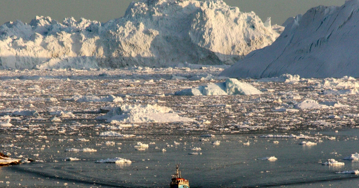 A new study says that Greenland's glaciers are shrinking fast,  yet it is still not the worst case scenario.</p>