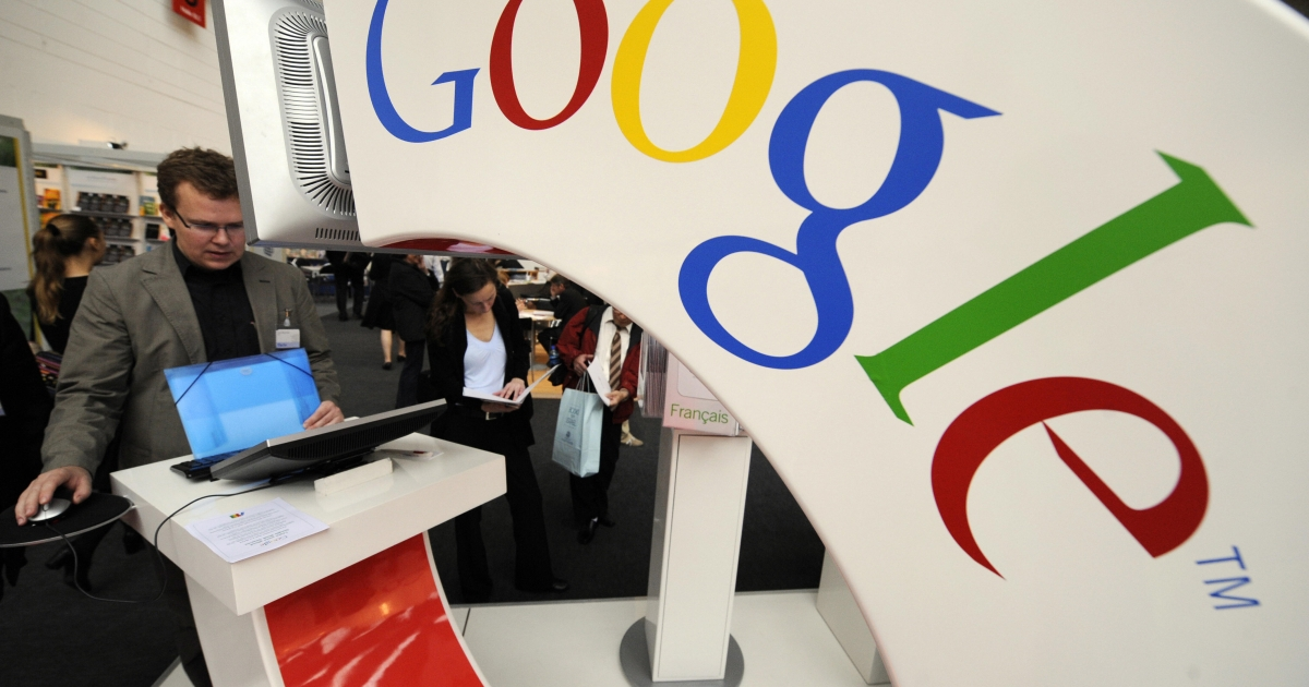 Google is being investigated by EU and US authorities over privacy breach on Apple's Safari browser.</p>
