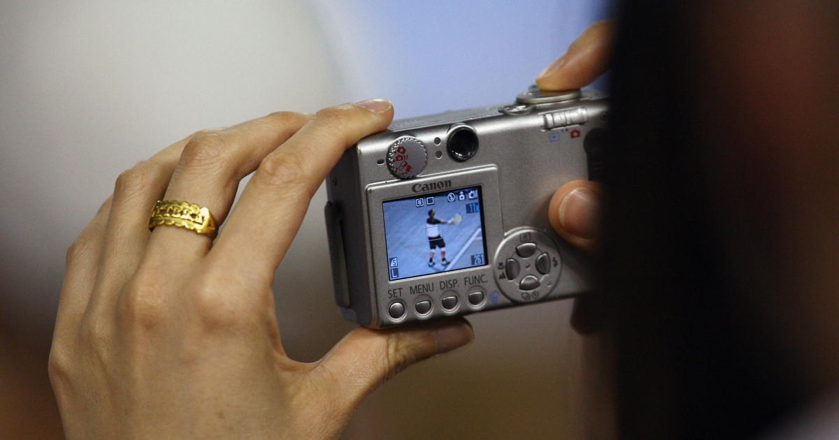 Sales of digital cameras and camcorders slumping as smart phones take over.</p>
