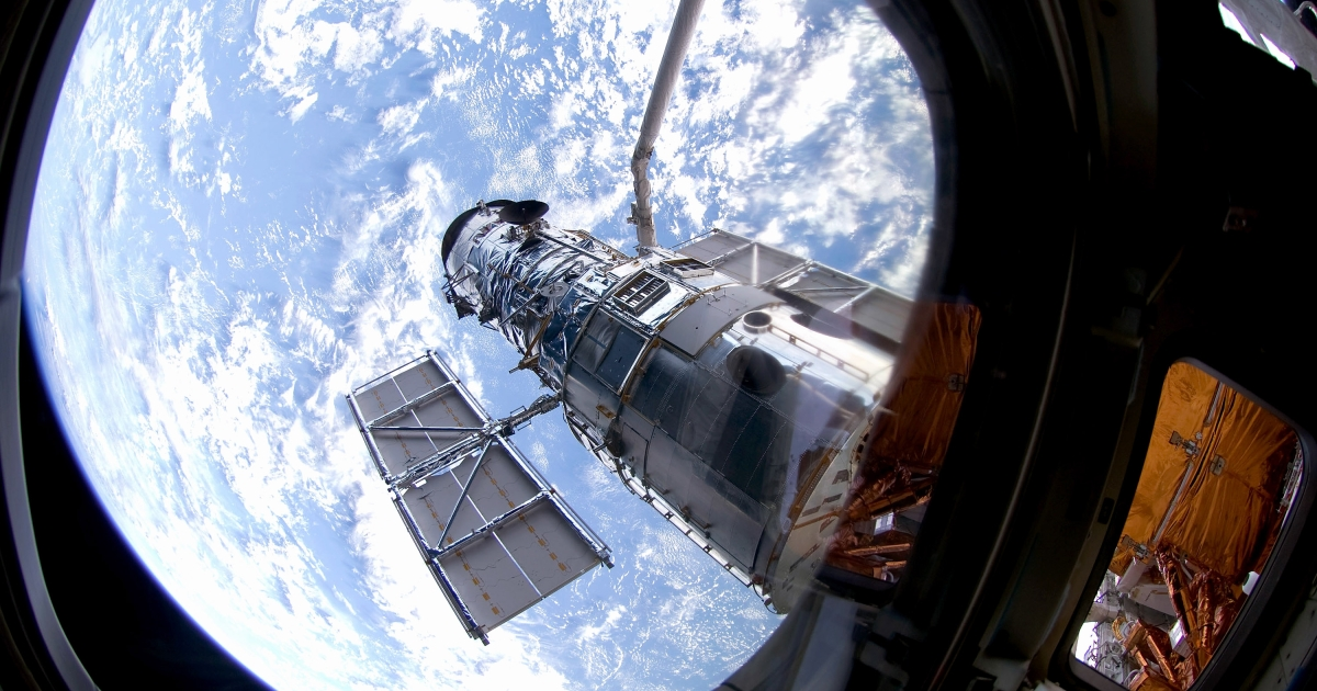 The National Reconnaissance Office gives NASA two Hubble-like spy telescopes for scientific use.</p>