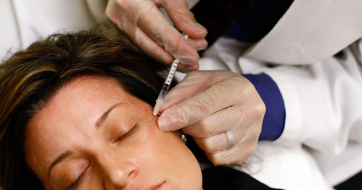The FDA has warned that counterfeit Botox may have been shipped to 350 clinics around the United States.</p>