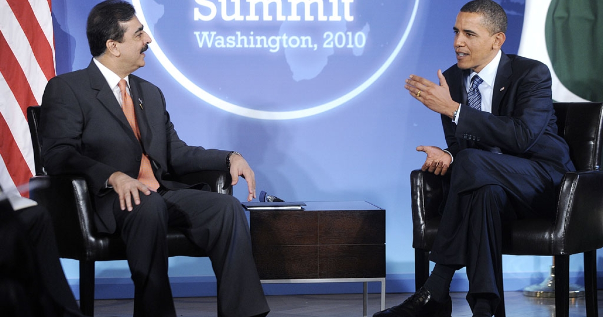 Pakistani Prime Minister Yousaf Raza Gilani speaks with U.S. President Barack Obama on April 11, 2010, in Washington, DC. The 2 leaders are to meet again next week in South Korea.</p>
