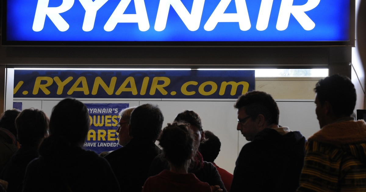 Ryanair flight attendants caught smuggling cigarettes by UK border police in Liverpool.</p>