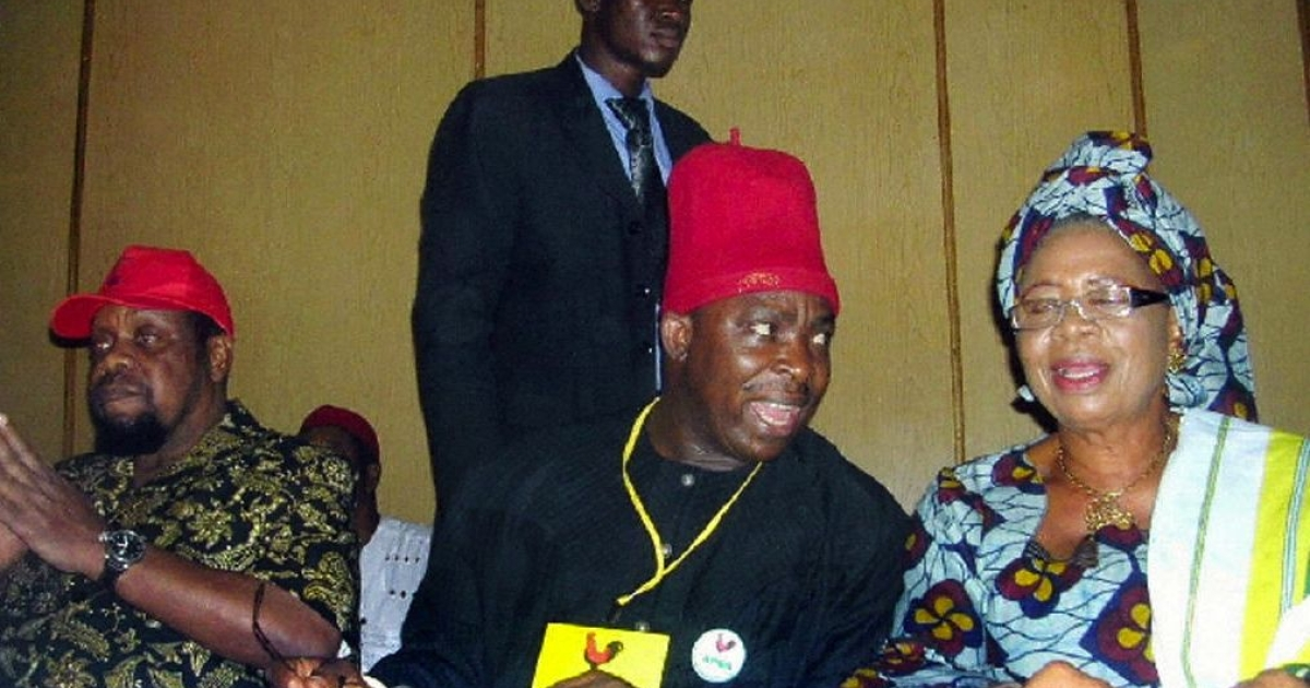 Former Biafra warlord Emeka Odumegwu-Ojukwu (L) who emerged as the All Progressives Grand Alliance (APGA)'s presidential aspirant for 2007 elections after their national convention in Enugu is pictured with chief Victor Ume and Mrs Virgy, governor of Anambra State during the APGA convention held in Enugu, Nigeria, 04 December 2006.</p>