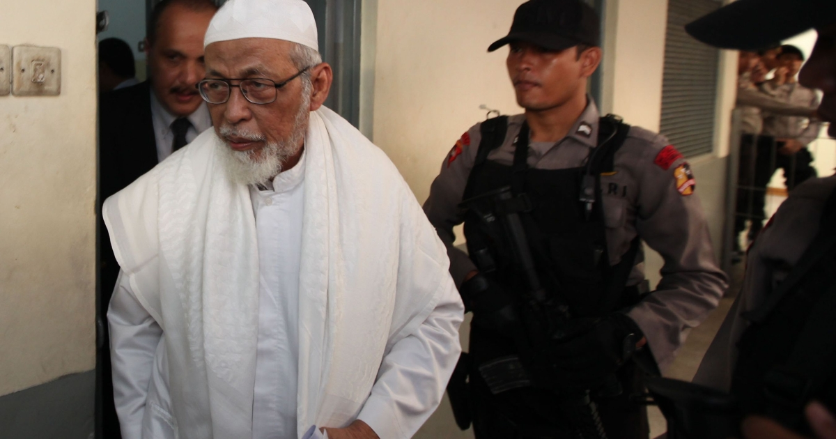 Abu Bakar Bashir is the alleged founder and ideological leader of the military jihadi network Jemaah Islamiah, held responsible for killing 202 people in bombing attacks on the island of Bali in 2002.</p>