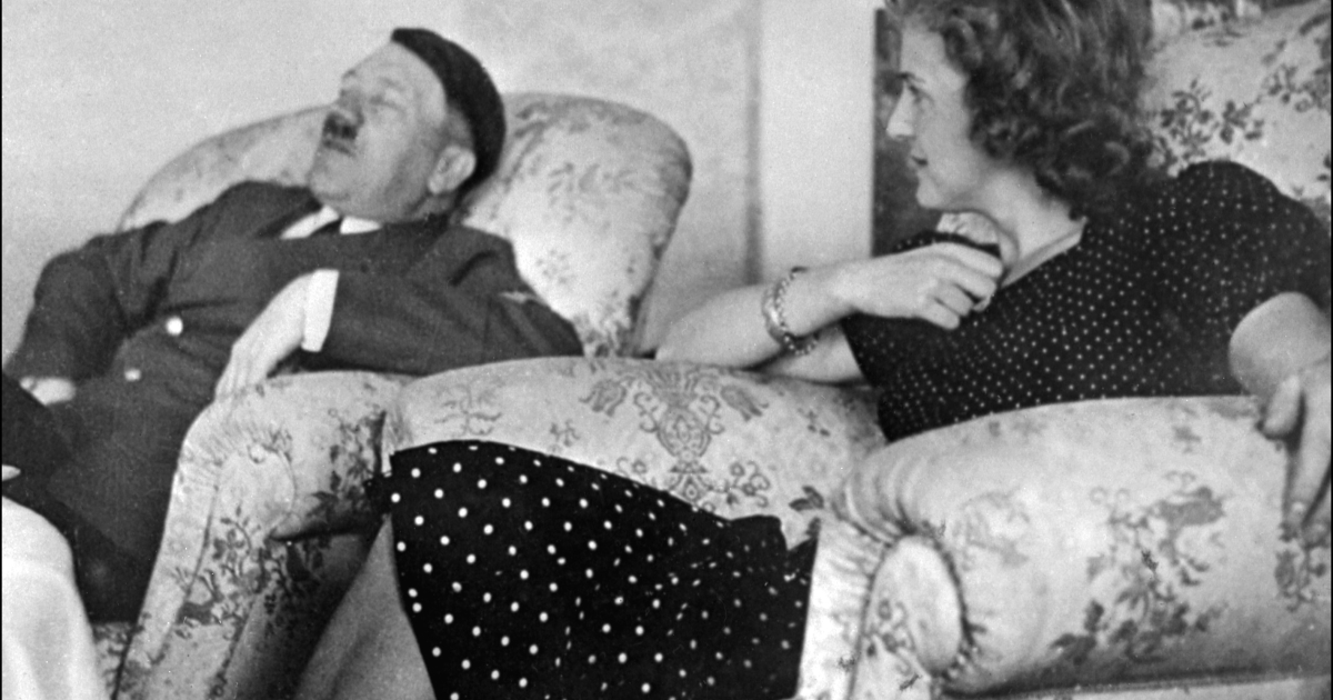 Undated and unlocated picture of German Chancellor and 'Reichsfnhrer' (chief) Adolf Hitler relaxing with his mistress Eva Braun</p>
