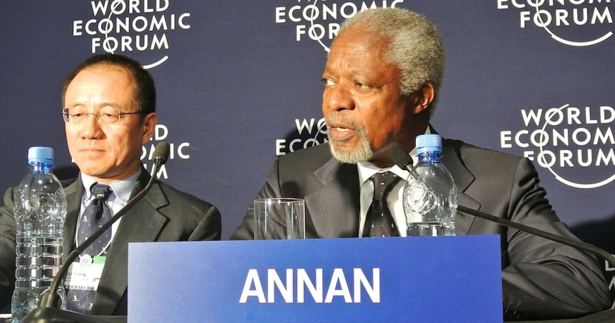 Former UN Secretary General Kofi Annan, right, and the President of the Chinese Investment Corporation, Gao Xiqing at the World Economic Forum in Addis Ababa, on May 10, 2012. Eight African leaders and former British prime minister Gordon Brown are among the more than 700 participants expected at the three-day Addis Ababa meeting. The conference will focus on boosting public-private investment and fostering economic diversity to boost development across Africa.</p>