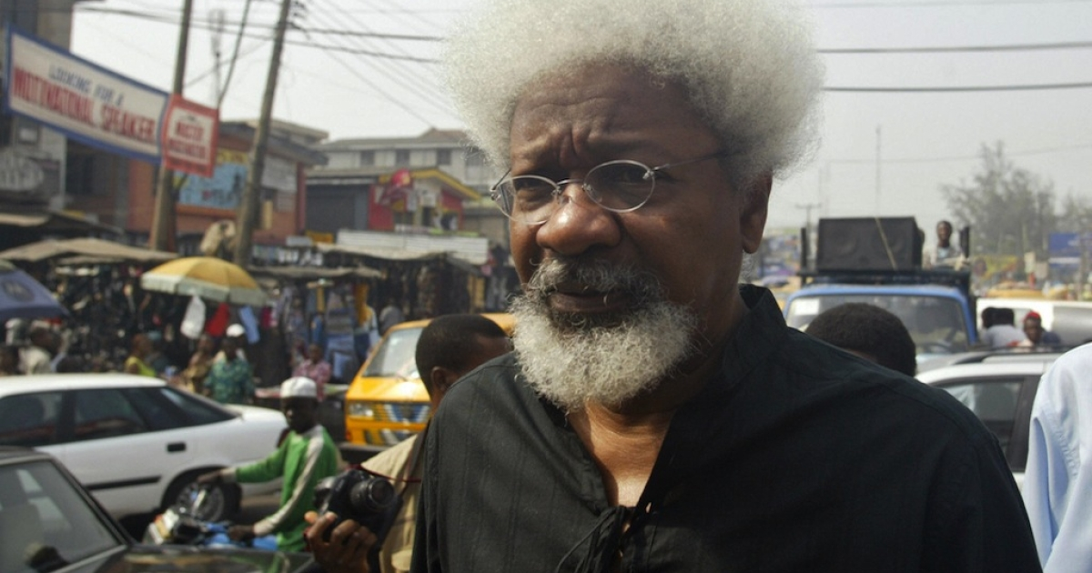 Nobel Laureate Professor Wole Soyinka arrives to joint fellow activists for the protest march 11 December 2006 in Lagos. Civil rights activists marched through the streets of Lagos to protest the style of leadership of President Olusegun Obasanjo, including the on-going electronic voters registration which is believed could deny millions of eligible voters their right.</p>