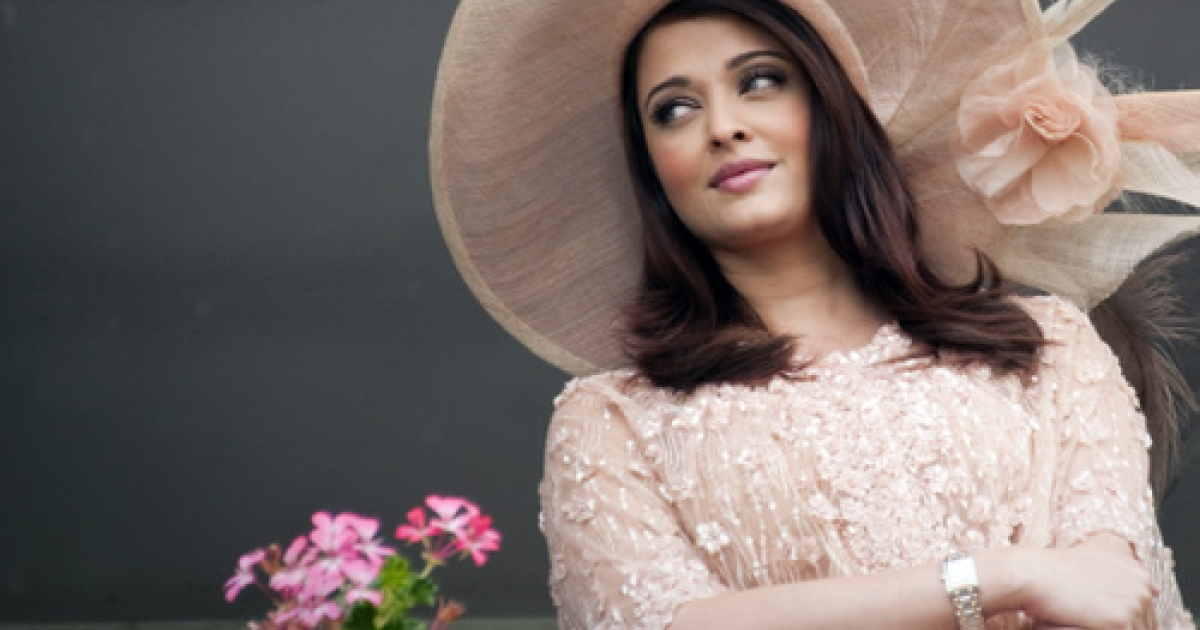 Mummyji!  Indian Bollywood actress Aishwarya Rai-Bachchan, pictured here at the 162nd Prix de Diane horse racing on June 12, 2011, gave birth to a baby girl Wednesday.  The twitterati went wild.</p>