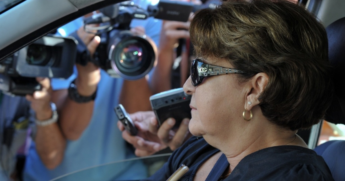Nuris Pinero, lawyer of US contractor Alan Gross, talks with journalists upon her arrival at the Supreme Court in Havana, on July 22, 2011.</p>