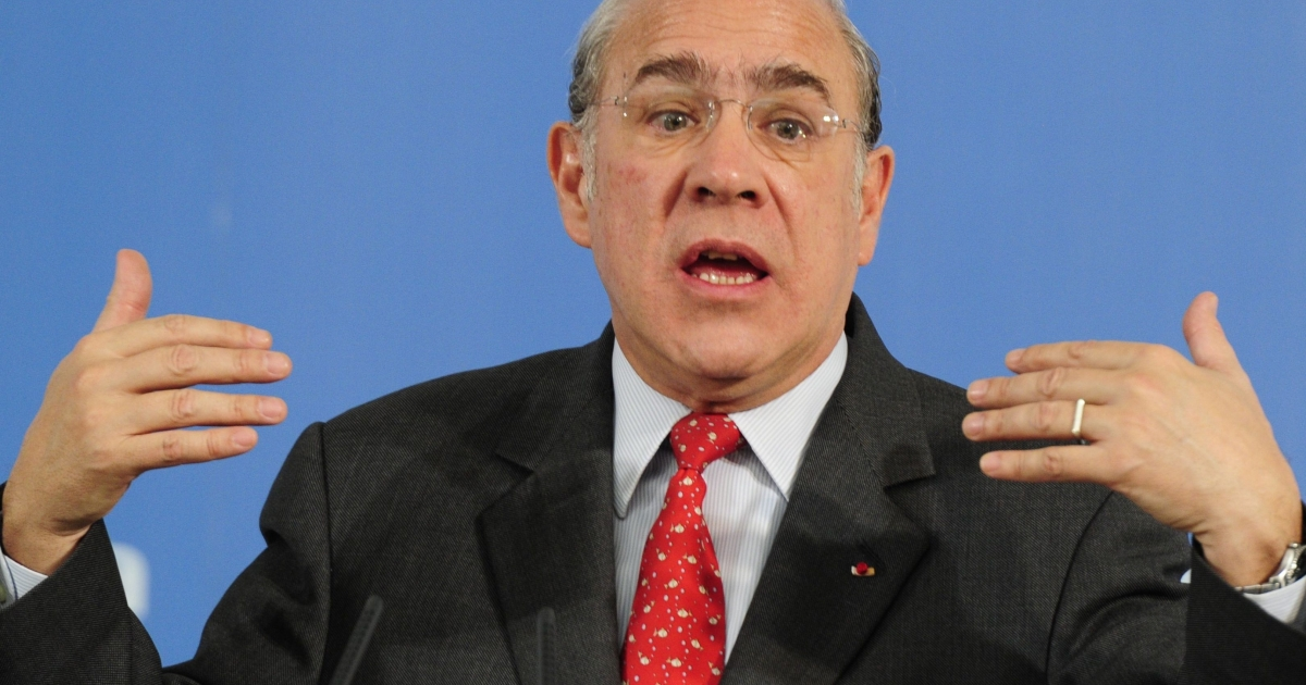 OECD Secretary General Angel Gurría said the EU's bailout capacity was not big enough to impress fragile finance markets, pointing out that the 17-member euro zone's banks remain weak, debt levels are continuing to rise, and fiscal targets are far from guaranteed.</p>