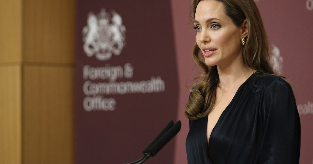 Angelina Jolie speaks at the Foreign Commonwealth Office (FCO) on May 29, 2012 in London, England.</p>