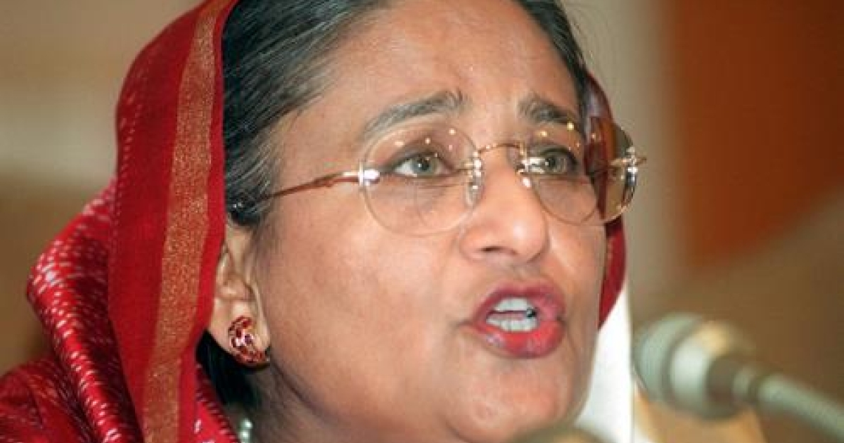 Bangladeshi Prime Minister Sheikh Hasina Wajed answers a journalist's question, 26 January 2001, during a press conference at her official residence Ganababhan in Dhaka.</p>