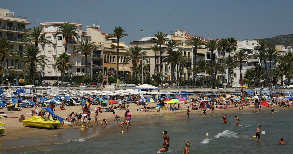 A view of one of Barcelona's beaches circa 2009.</p>