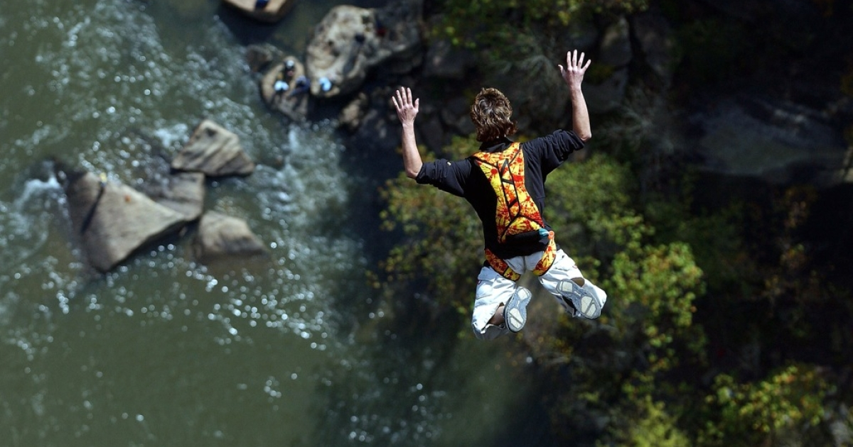 The accident happened near the Grand Canyon when the jumper's parachute failed to deploy.</p>