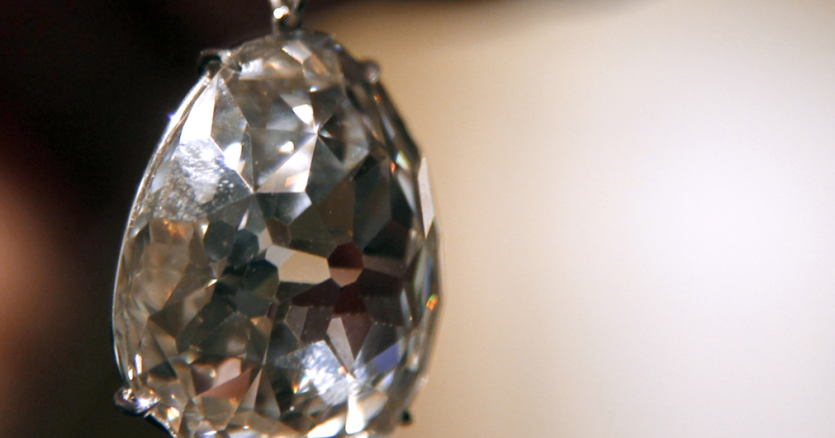 A picture taken on April 23, 2012 at the Sotheby's auction house, shows the famous diamond