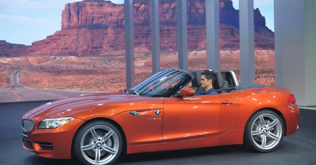 Perhaps the Bmw z4 is not the best car to heroically hang to as its driver makes their escape.</p>