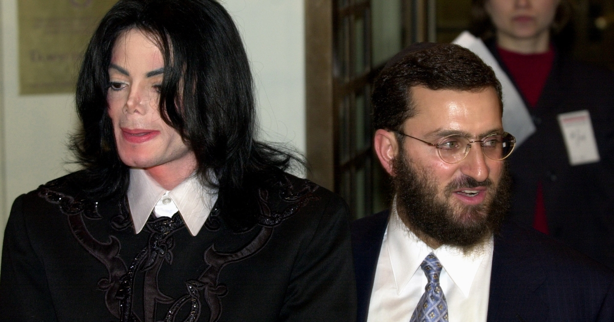 Michael Jackson appears with Rabbi Shmuley Boteach, right, in this February, 2001 image taken at Carnegie Hall in New York.</p>