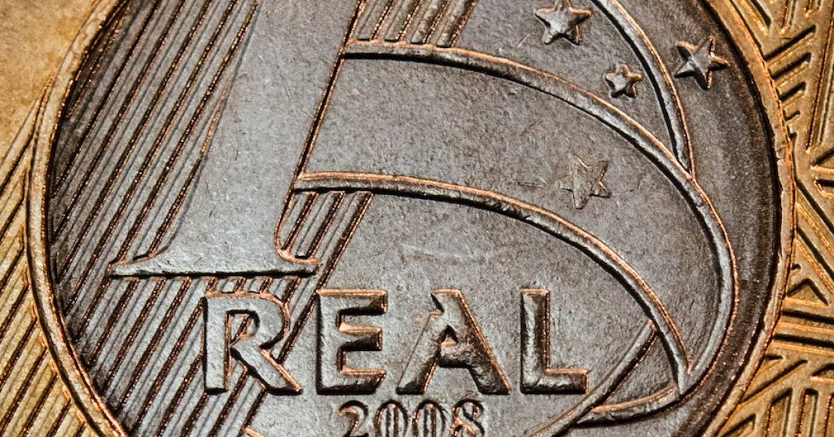 A close-up of a Brazilian one-real coin. The government will be spending a lot of these as it embarks on a $4.1 billion spending spree.</p>