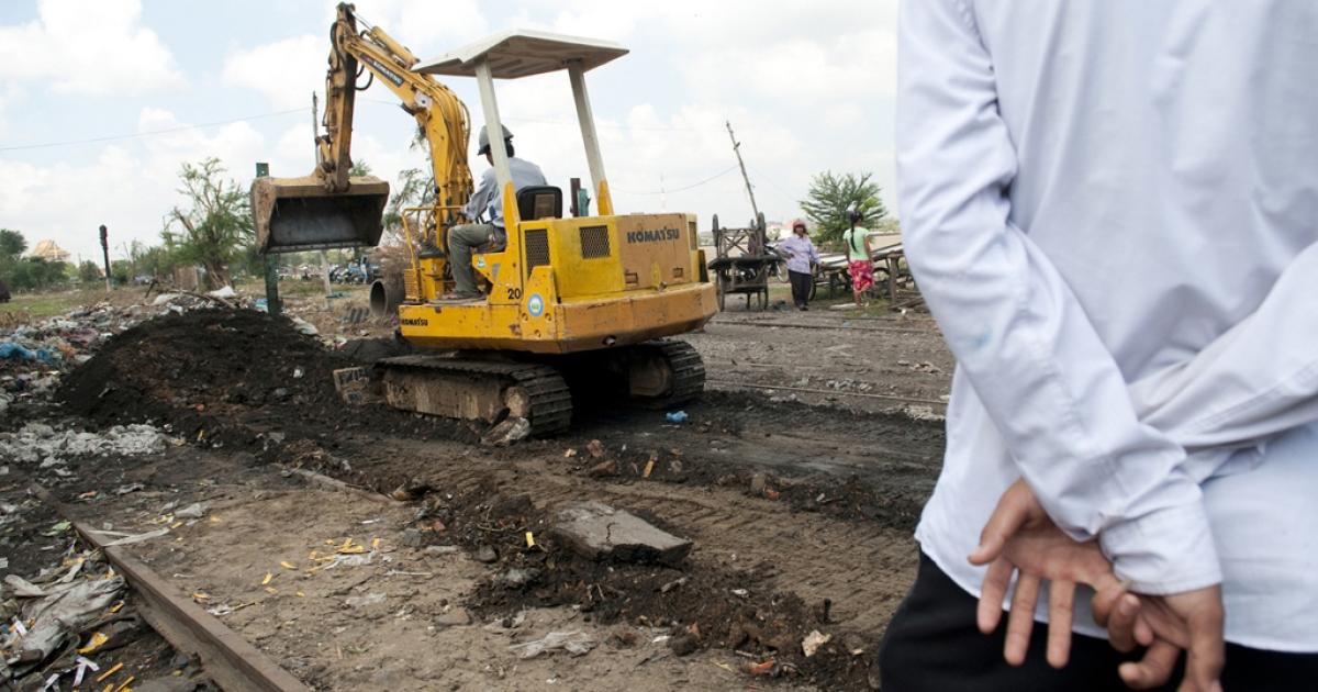 Near Boeung Kak Lake homes built near the railroad track were bulldozed, Jan. 22, 2010.</p>