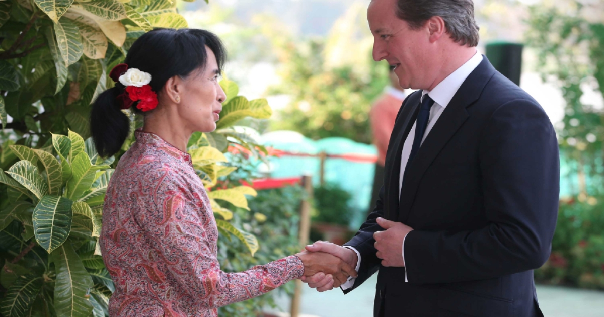 British Prime Minister David Cameron (R) meets with pro-democracy leader Aung San Suu Kyi on April 13, 2012 in Yangon, Myanmar. Mr Cameron is ending his five day trade mission to the far east in Myanmar, the first British Prime Minister to visit the country since 1948.</p>