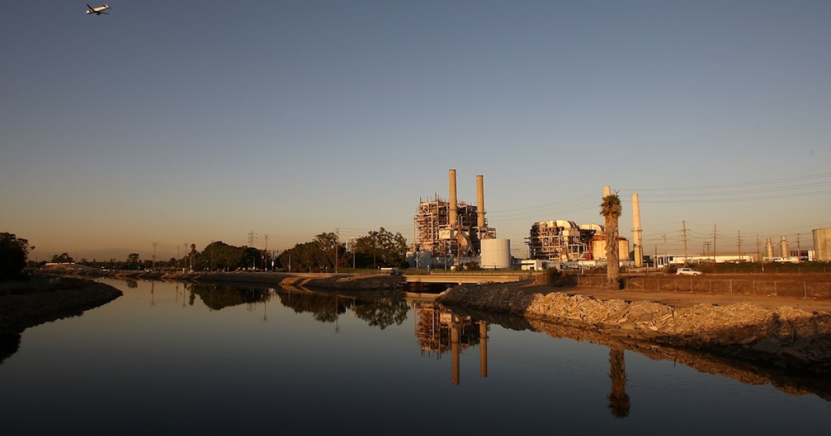 The AES Corporation 495-megawatt Alamitos natural gas-fired power station is seen on October 1, 2009 in Long Beach, California.</p>